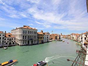 Grand Canal's View nearby Ca' D'Oro